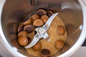 Zucker und Toffifee im Mixtopf