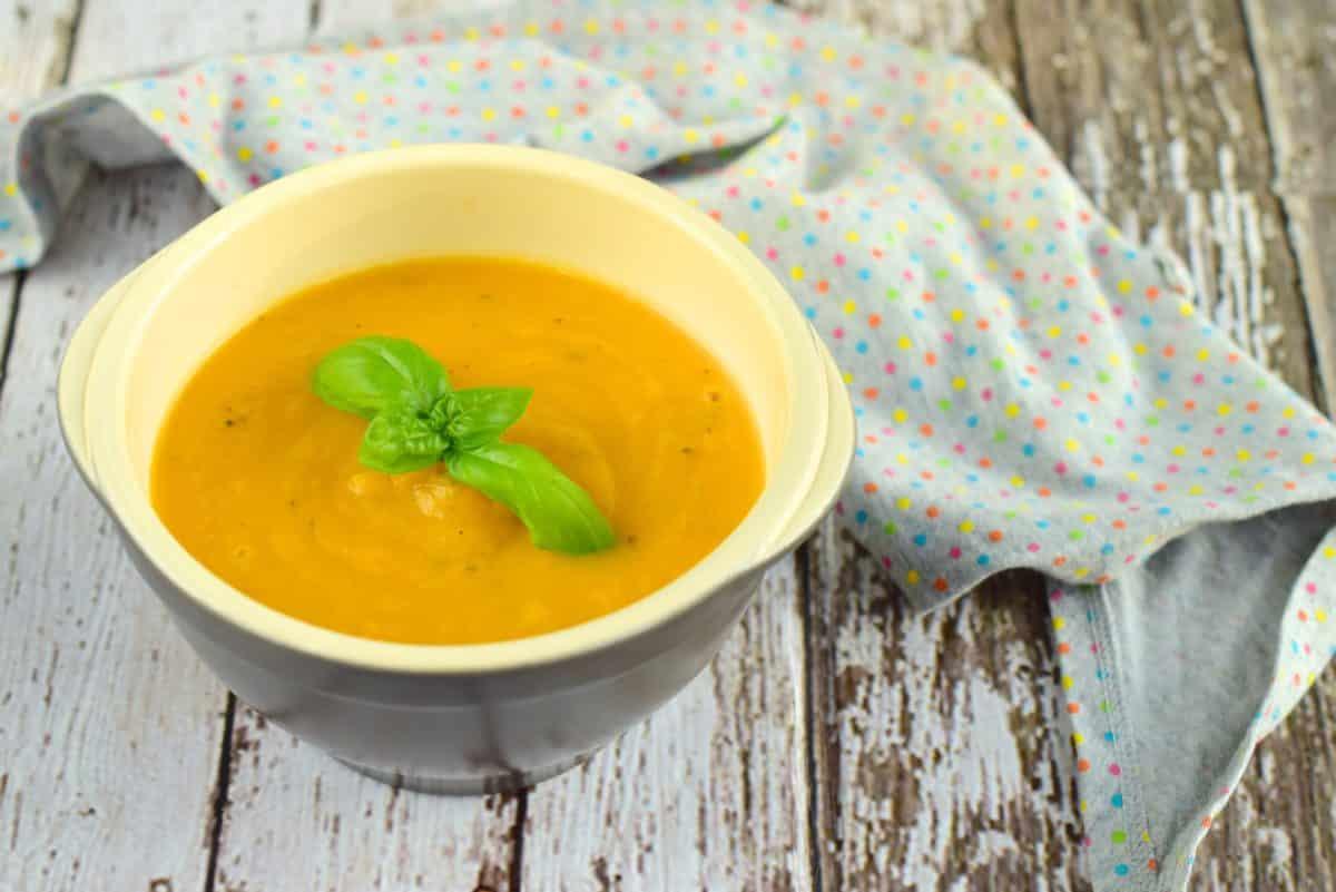 Einfache Gemüsesuppe aus dem Thermomix®