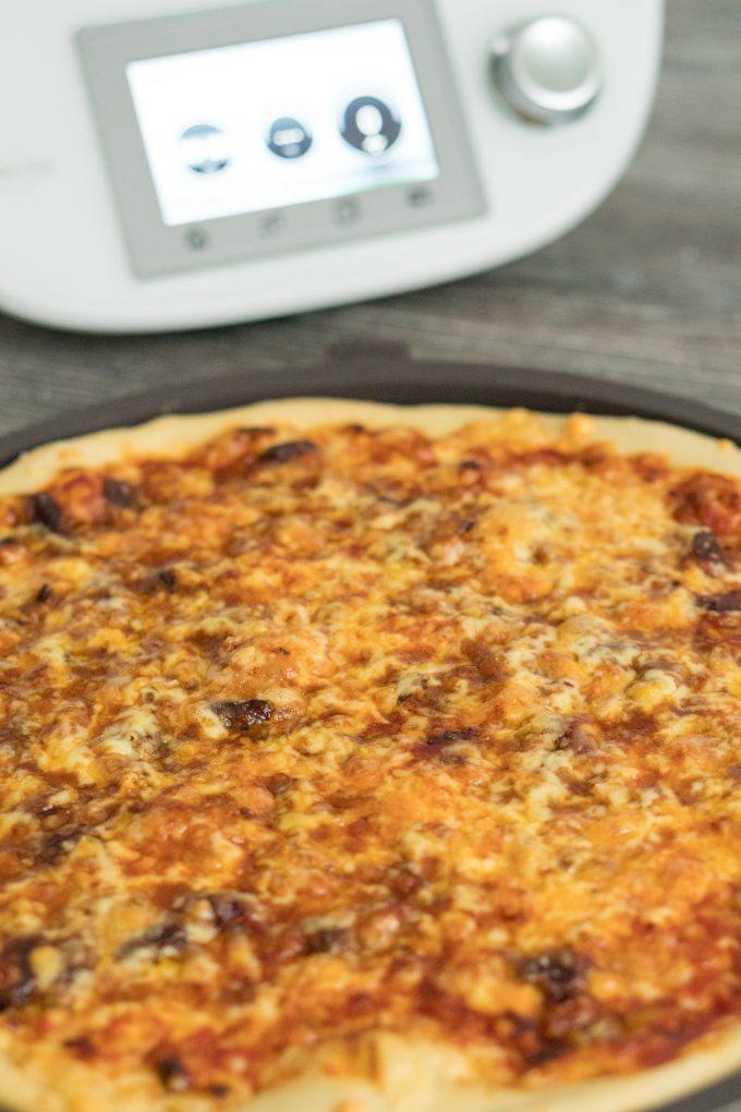 Pizza aus dem Thermomix