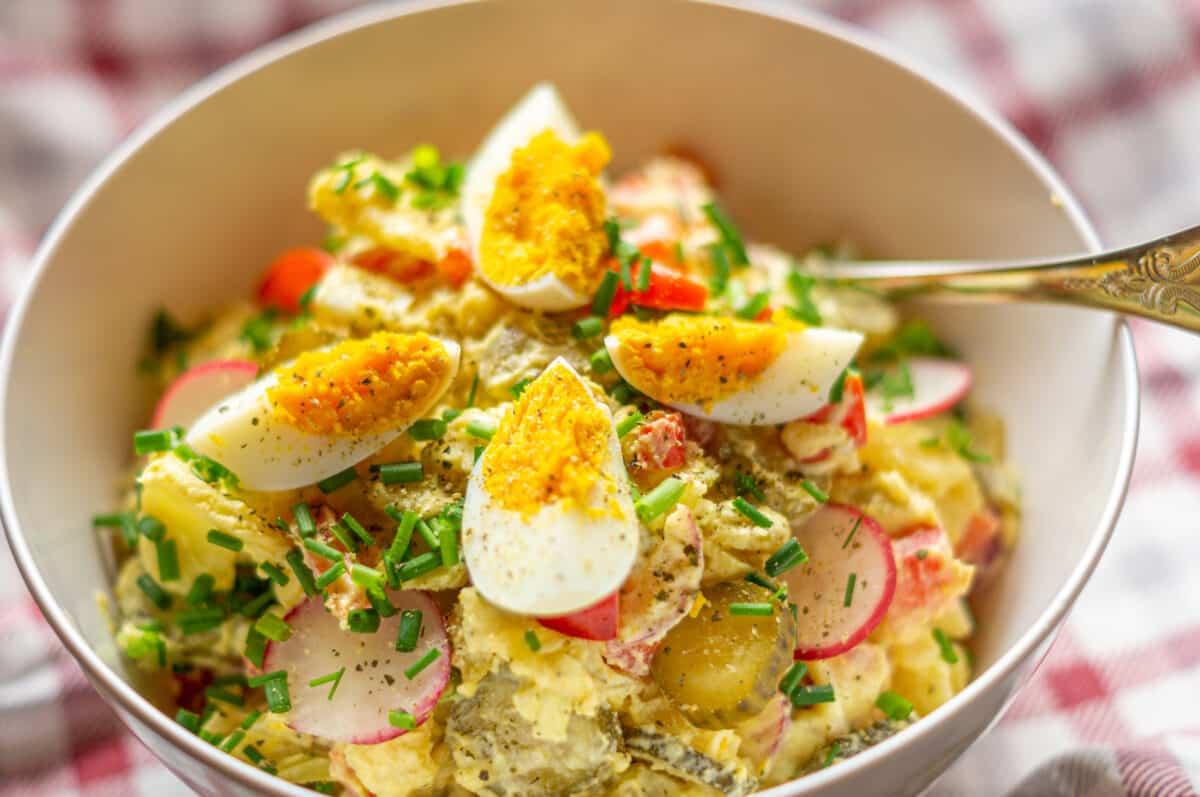 Feiner bunter Kartoffelsalat aus dem Thermomix