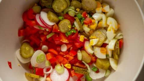 Gemüse für bunten Kartoffelsalat im TM