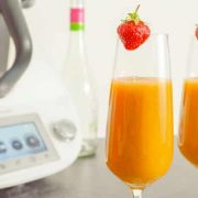 erdbeer-mango-sekt-aus-dem-thermomix-im-glas