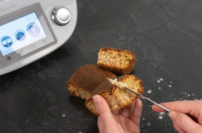 Bananenbrot aus dem Thermomix® mit feiner Butter