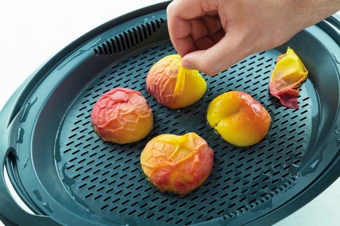 Pfirsiche häuten im Varoma des Thermomix®