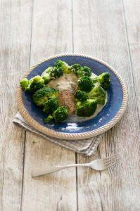 Varoma Lachsfilet mit Brokkoli und Senfsauce aus dem Thermomix®