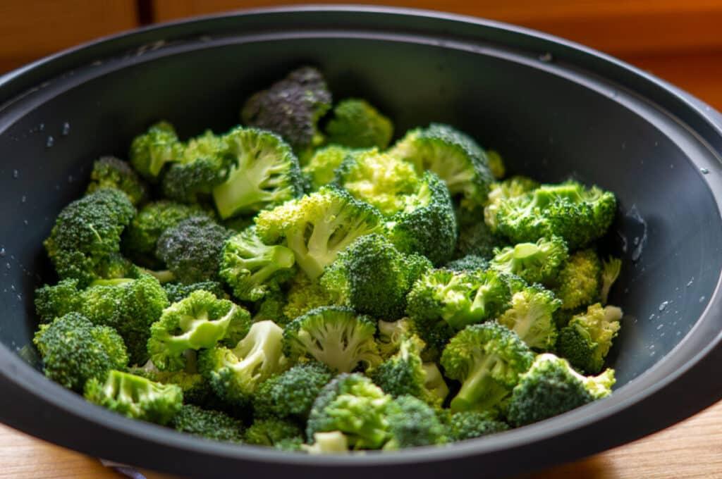 Brokkoli im Varoma dämpfen