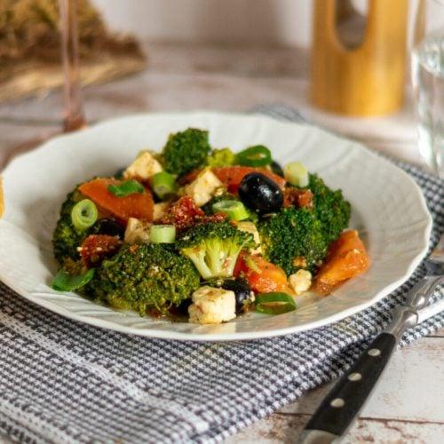 """Brokkoli Salat """"mediterran"""" aus dem Thermomix®"""