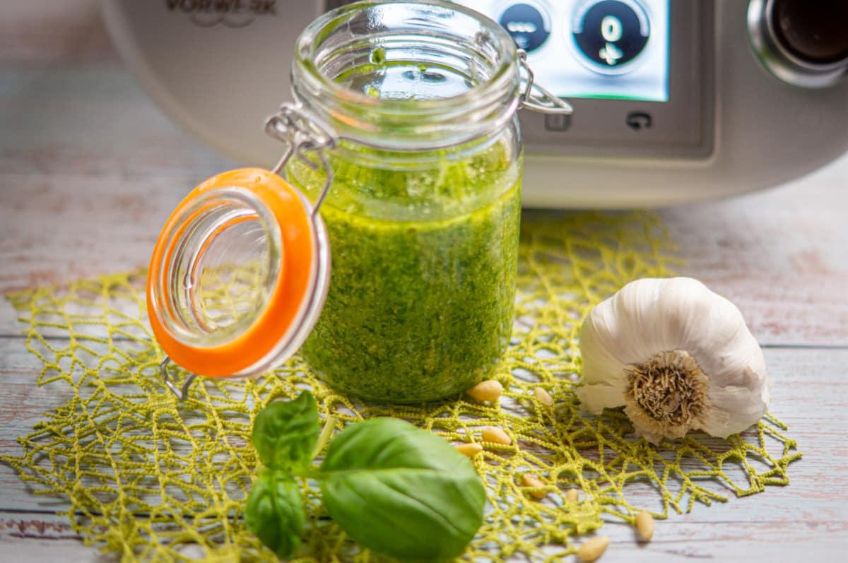 Basilikum Pesto aus dem Thermomix®