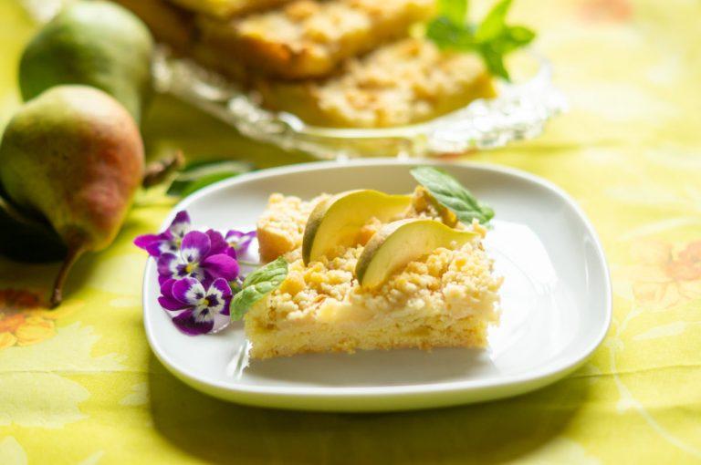 Birnen-Mandel Kuchen mit Rum-Streuseln aus dem Thermomix®