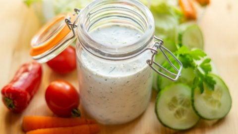 Ranch-Dressing aus dem Thermomix® Salatdressing oder Dip