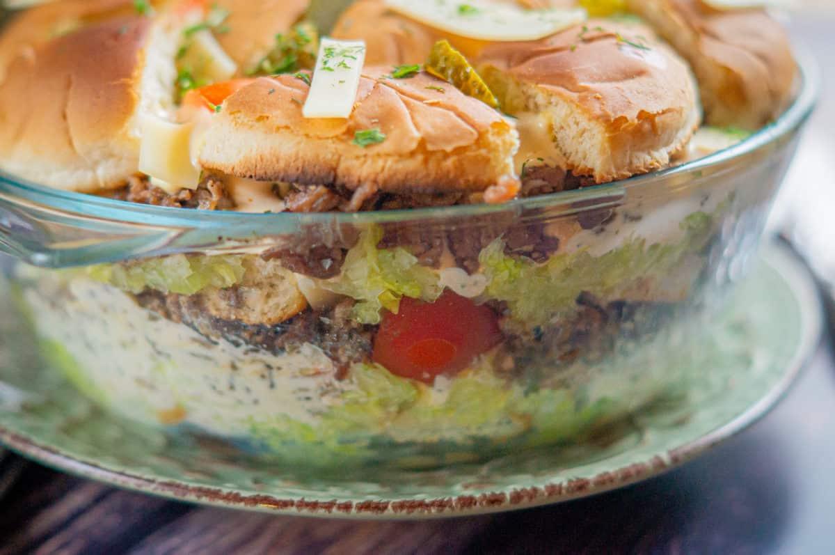 Leckerer Schichtsalat - perfekt fürs Partybuffet