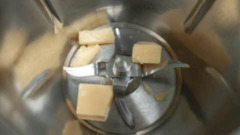 Parmesan im Thermomix zerkleinern
