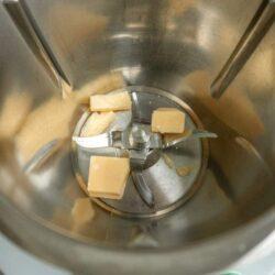 Parmesan reiben im Thermomix®