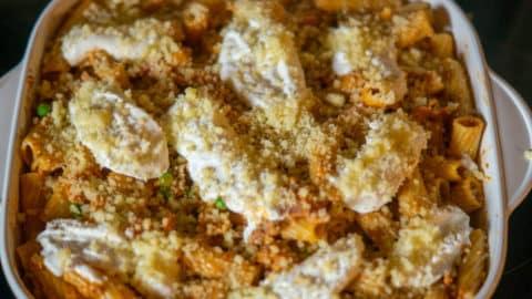 Rigatoni al forno bereit für den Backofen