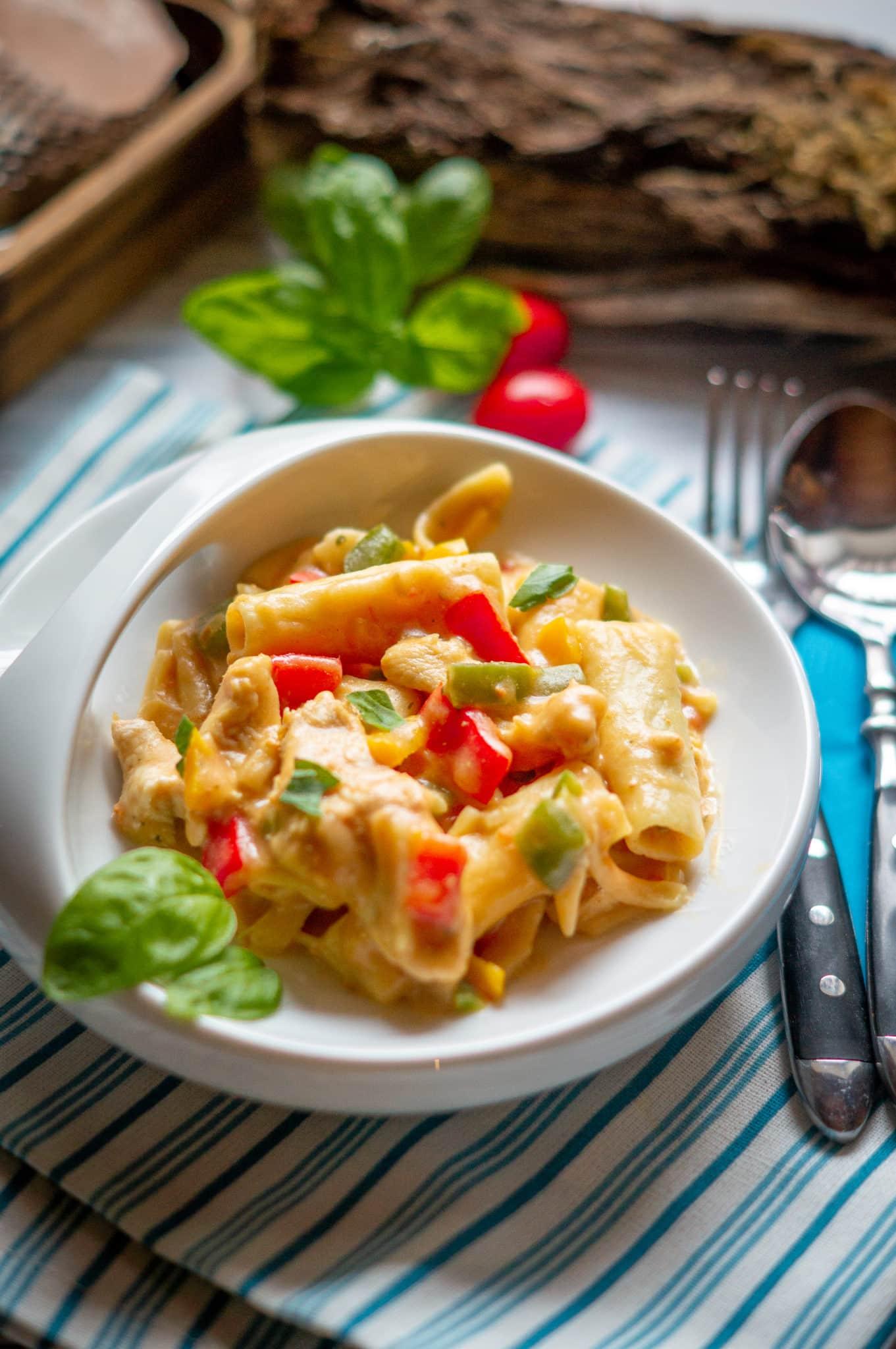 All in One - Hühnchen-Paprika-Tortiglioni aus dem Thermomix® Pin