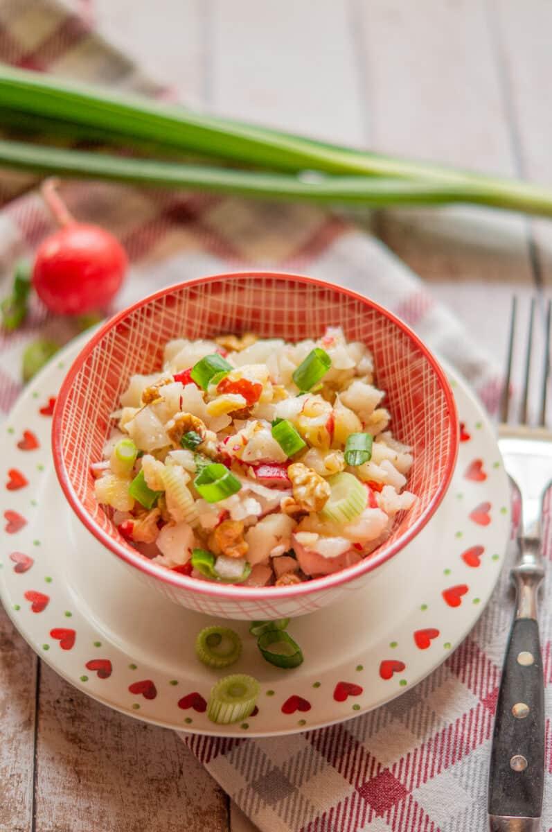 Kohlrabi-Radieschen-Apfel Salat aus dem Thermomix® - nur gesunde Zutaten
