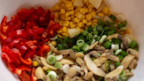 Gemüse in Salatschüssel