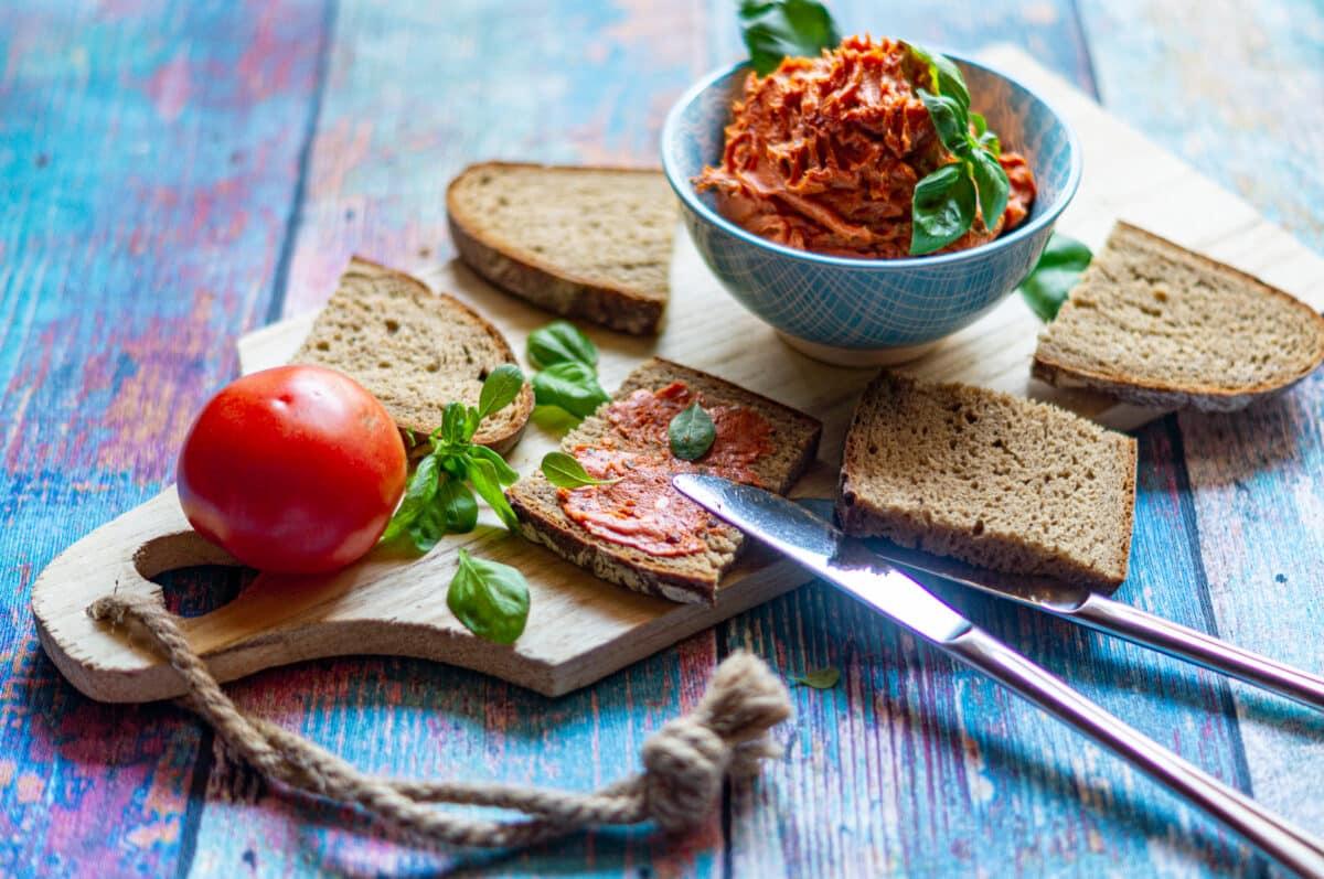 Tomatenbutter aus dem Thermomix® - die perfekte Brotzeit