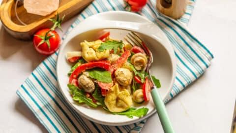 Tortellini-Salat aus dem Thermomix® angerichtet