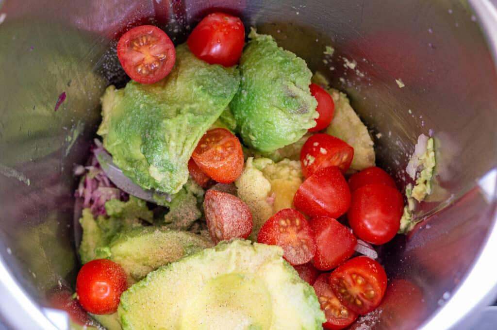 Alle Zutaten für selbstgemachte Guacamole im Thermomix®