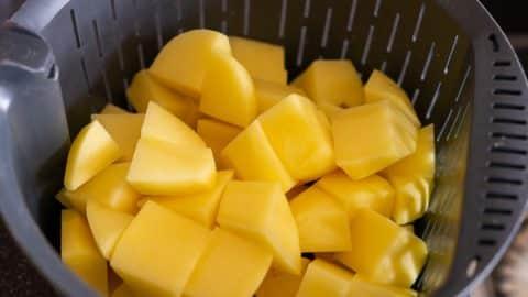 Kartoffeln im Gareinsatz des Thermomix® kochen