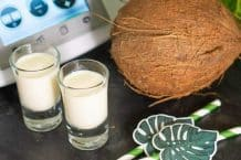 Köstlicher Kokoslikör aus dem Thermomix mit frischer Kokosmilch